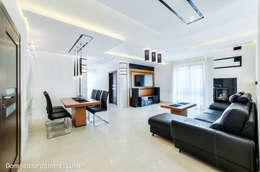 Livings de estilo moderno por Auraprojekt