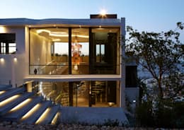 Back of building: modern Houses by Jenny Mills Architects