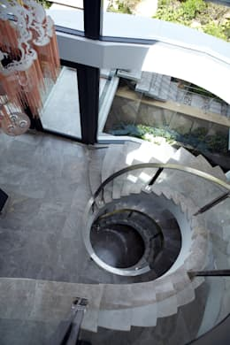 Internal Stair:  Corridor & hallway by Jenny Mills Architects
