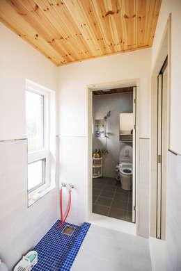 浴室 by 건축사사무소 재귀당