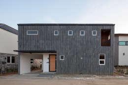 modern Garage/shed by 리슈건축