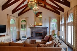 Cherry Hills Charmer: classic Living room by Andrea Schumacher Interiors