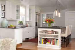 Denver Country Club Home: classic Kitchen by Andrea Schumacher Interiors