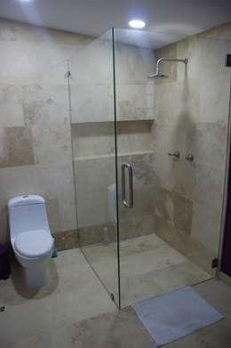CASA VINTAGE ARQUIMIA ARQUITECTOS: Baños de estilo  por Arquimia Arquitectos