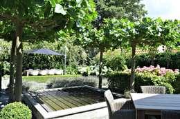 Vrijstaande Villa Heiloo: landelijke Tuin door Atelier09