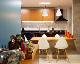 Apartamento LuPaBePe: Salas de jantar industriais por 285 arquitetura e urbanismo