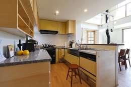 キッチン: 池田デザイン室(一級建築士事務所)が手掛けたキッチンです。
