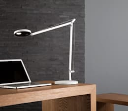 Demetra lámpara de escritorio: Oficinas y locales comerciales de estilo  por Griscan diseño iluminación