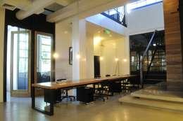 : Estudios y oficinas de estilo industrial por Paula Herrero   Arquitectura