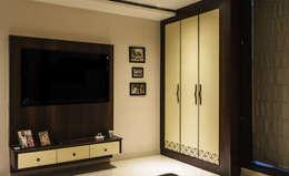 Singh Residence: modern Bedroom by StudioEzube