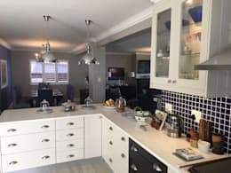 De Kelders Residence Hermanus Western Cape: modern Kitchen by CS DESIGN