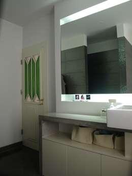 Baños de estilo  por QFProjectbuilding, Unipessoal Lda