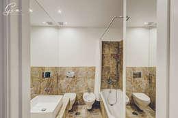 Baños de estilo rústico por Obrasdecor