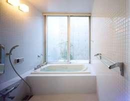 modern Bathroom by FrameWork設計事務所