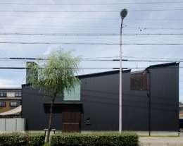 Case in stile in stile Rustico di FrameWork設計事務所