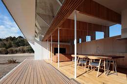 Tерраса в . Автор – 桑原茂建築設計事務所 / Shigeru Kuwahara Architects