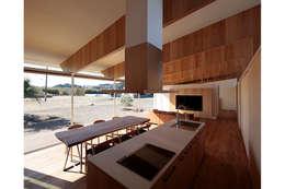 Кухни в . Автор – 桑原茂建築設計事務所 / Shigeru Kuwahara Architects