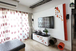 Last View of the Living Room: modern Living room by home makers interior designers & decorators pvt. ltd.