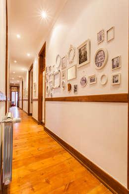 rustic Corridor, hallway & stairs by alma portuguesa