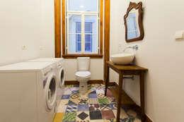 Baños de estilo  por alma portuguesa