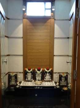 pooja room:  Corridor & hallway by Hasta architects