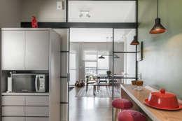 Кухни в . Автор – Alma em Design