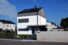 : moderne Häuser von Marcus Hofbauer Architekt