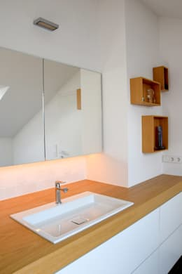 : moderne Badezimmer von Marcus Hofbauer Architekt
