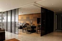 Puertas y ventanas de estilo moderno por Concepto Taller de Arquitectura