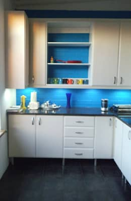 Right Hand Side:   by Boss Custom Kitchens (PTY)LTD