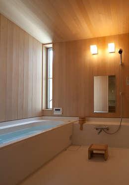Projekty,  Łazienka zaprojektowane przez 水石浩太建築設計室/ MIZUISHI Architect Atelier
