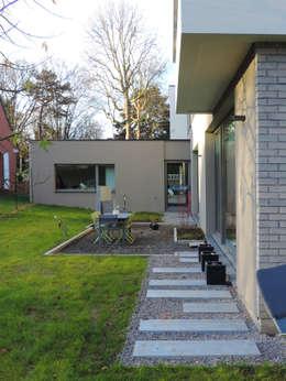 Casas de estilo moderno por DCA