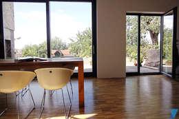 Haus FTS: moderne Esszimmer von yohoco - Eure Architekten