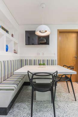 Projekty,  Kuchnia zaprojektowane przez Sandra Pompermayer Arquitetura e Interiores