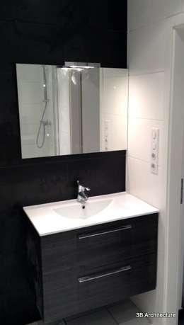 Aménagement de 10 logements: Salle de bain de style de style Moderne par 3B Architecture