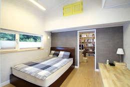 부부침실: 주택설계전문 디자인그룹 홈스타일토토의  침실