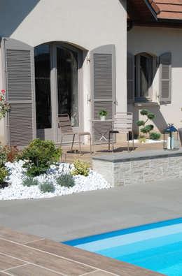 Casas de estilo moderno por SLAI