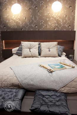 : minimalistic Bedroom by Mariana Von Kruger Emme Interiores