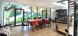 Salle à manger de style de style Moderne par Architekturbüro Schumann