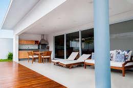 露臺 by canatelli arquitetura e design
