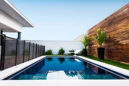 泳池 by canatelli arquitetura e design