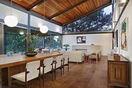 Comedores de estilo topical por David Guerra Arquitetura e Interiores