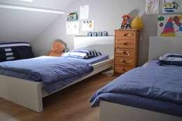 Projekty,  Pokój dziecięcy zaprojektowane przez Courants Libres