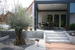 Jardines de estilo moderno por Schwein Aménagement