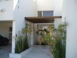 Casas de estilo minimalista por Estudio Medan Arquitectos