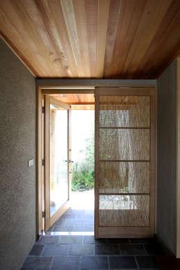 Ingresso & Corridoio in stile  di C-design吉内建築アトリエ