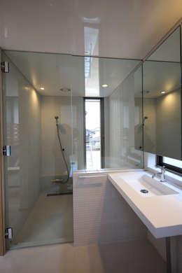 scandinavian Bathroom by C-design吉内建築アトリエ