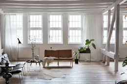 Phòng khách by Design for Love
