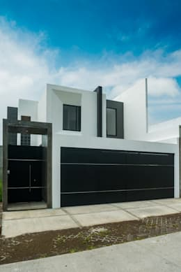15 fachadas que protegen tu casa de la inseguridad for Fachadas estilo minimalista casas