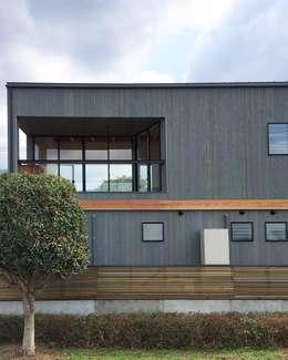 TOM: ZOYA Design Officeが手掛けた家です。